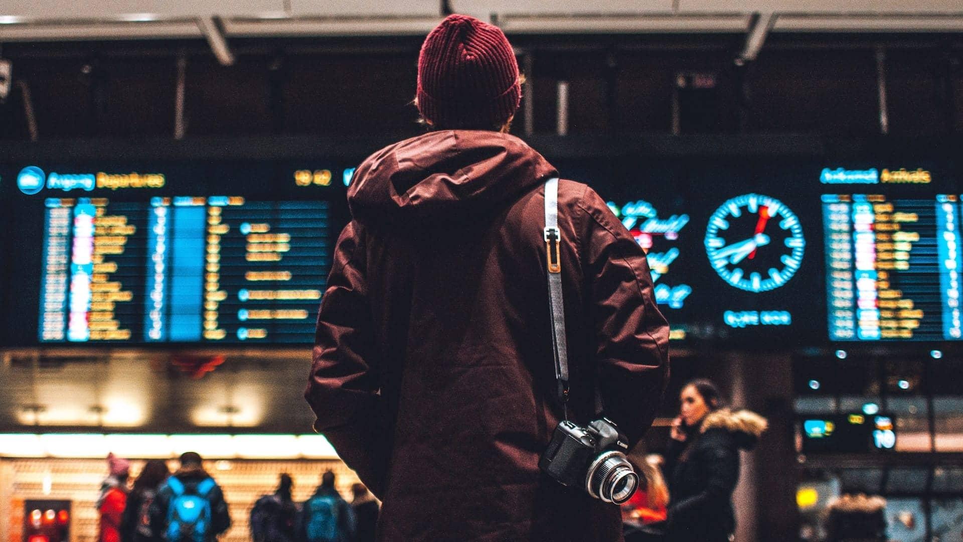 Μα καλά,πώς μπορείς και ταξιδεύεις μόνος σου;